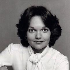 Pamela Reed Image