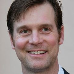 Peter Krause Image