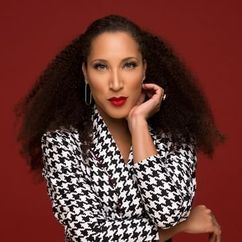 Robin Thede Image
