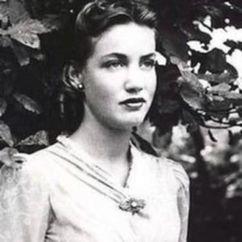 Edith Bouvier Beale Image