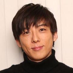 Issey Takahashi Image