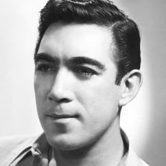 Anthony Quinn Image