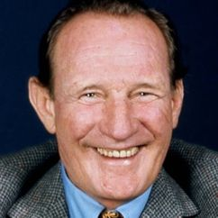 Trevor Howard Image
