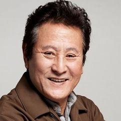 Park Geun-hyung Image