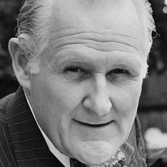 Peter Vaughan Image