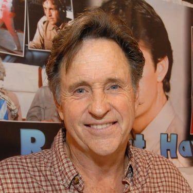 Robert Hays Image
