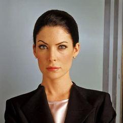 Lara Flynn Boyle Image