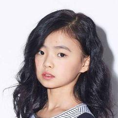Kim Si-a Image