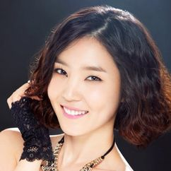 Shin Da-eun Image
