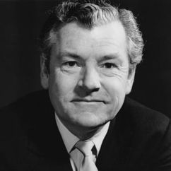 Kenneth More Image