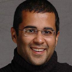 Chetan Bhagat Image