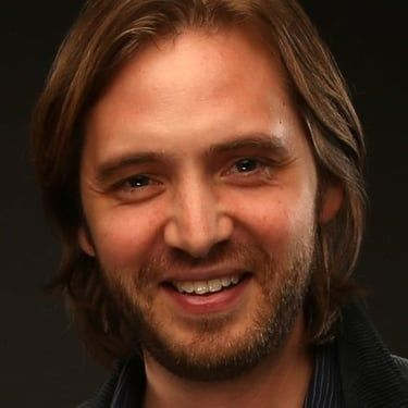 Aaron Stanford Image