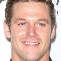 Zach Roerig Image
