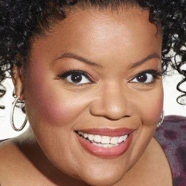 Yvette Nicole Brown Image