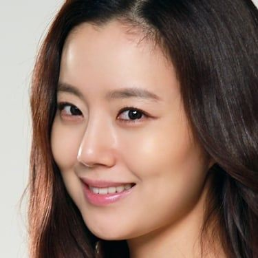 Moon Chae-won Image