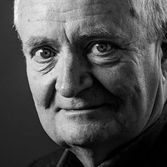 Jim Broadbent Image