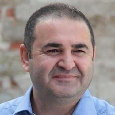 Şafak Sezer Image