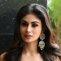 Mouni Roy Image