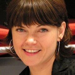 Nicole de Boer Image
