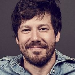 John Gallagher Jr. Image