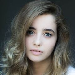 Holly Earl Image