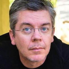Daniel Abraham Image