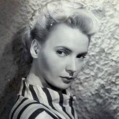 Elaine Aiken Image