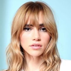 Suki Waterhouse Image