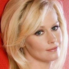 Beverly Lynne Image