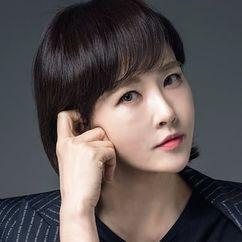 Kim Sun-a Image