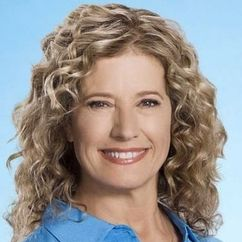 Nancy Travis Image