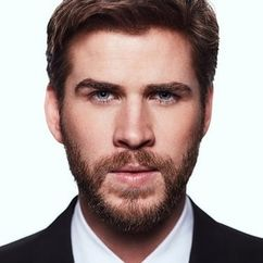 Liam Hemsworth Image