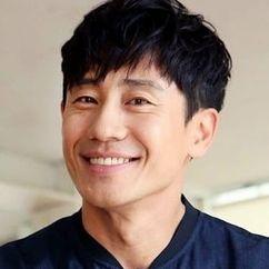 Shin Ha-kyun Image