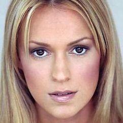 Nathalie Walker Image