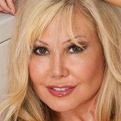 Cindy Pucci Image