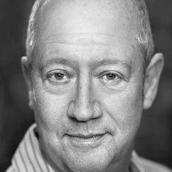 Stephen MacKenna Image