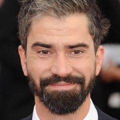 Hamish Linklater Image