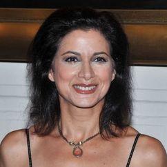 Saundra Santiago Image