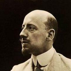 Gabriele D'Annunzio Image