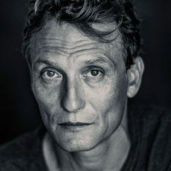 Oliver Masucci Image