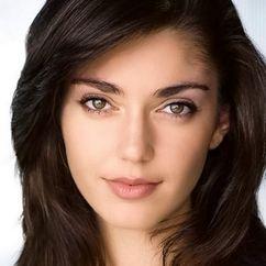 Emilia Ares Image