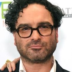 Johnny Galecki Image