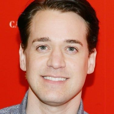 T.R. Knight Image