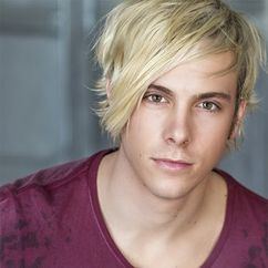 Riker Lynch Image