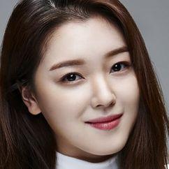 Jo Woo-Ri Image