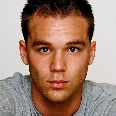 Lincoln Lewis Image