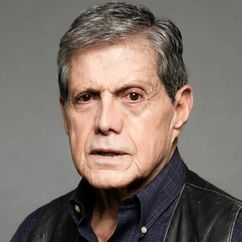 Héctor Bonilla Image