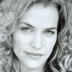 Jennifer Calvert Image