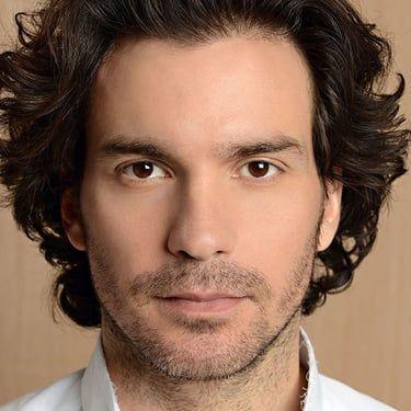 Santiago Cabrera Image