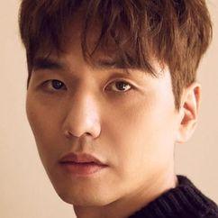 Kim Tae-hoon Image
